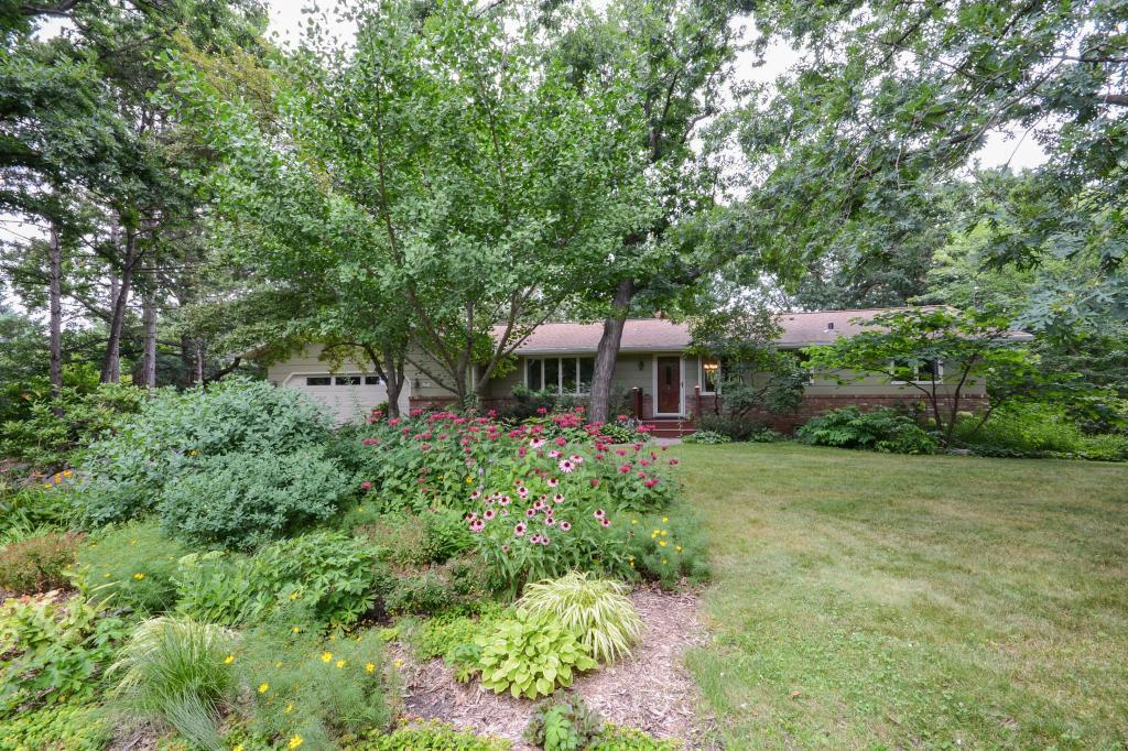 1475 Skiles Lane, Arden Hills in Ramsey County, MN 55112 Home for Sale