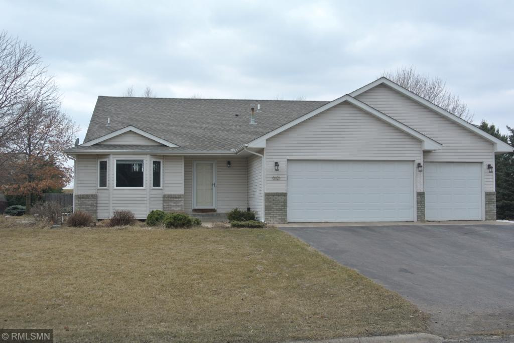 6121 Dawn Way Inver Grove Heights, MN 55076