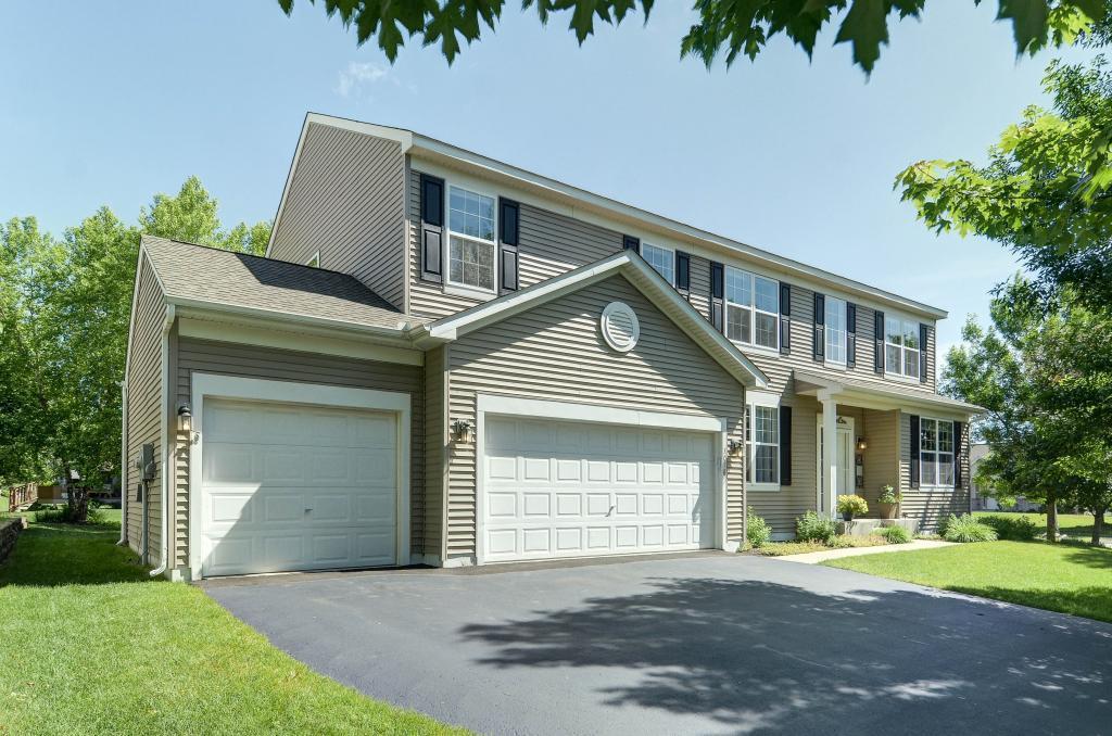 Pool property for sale at 3018 Georgeanna Road, Chaska Minnesota 55318