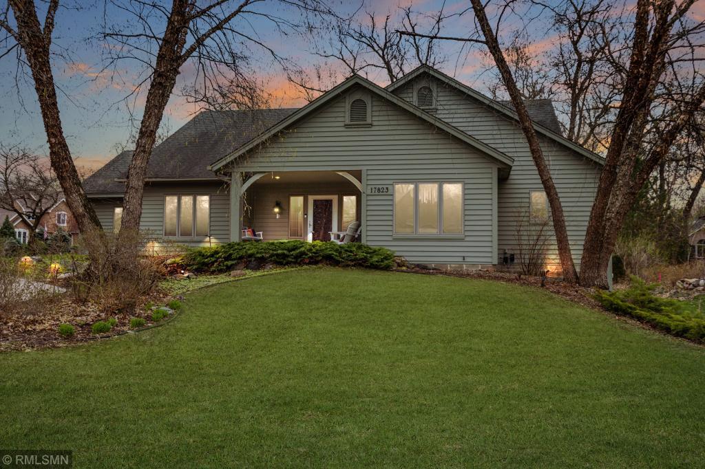 17823 Lake Cove Circle, Lakeville, Minnesota