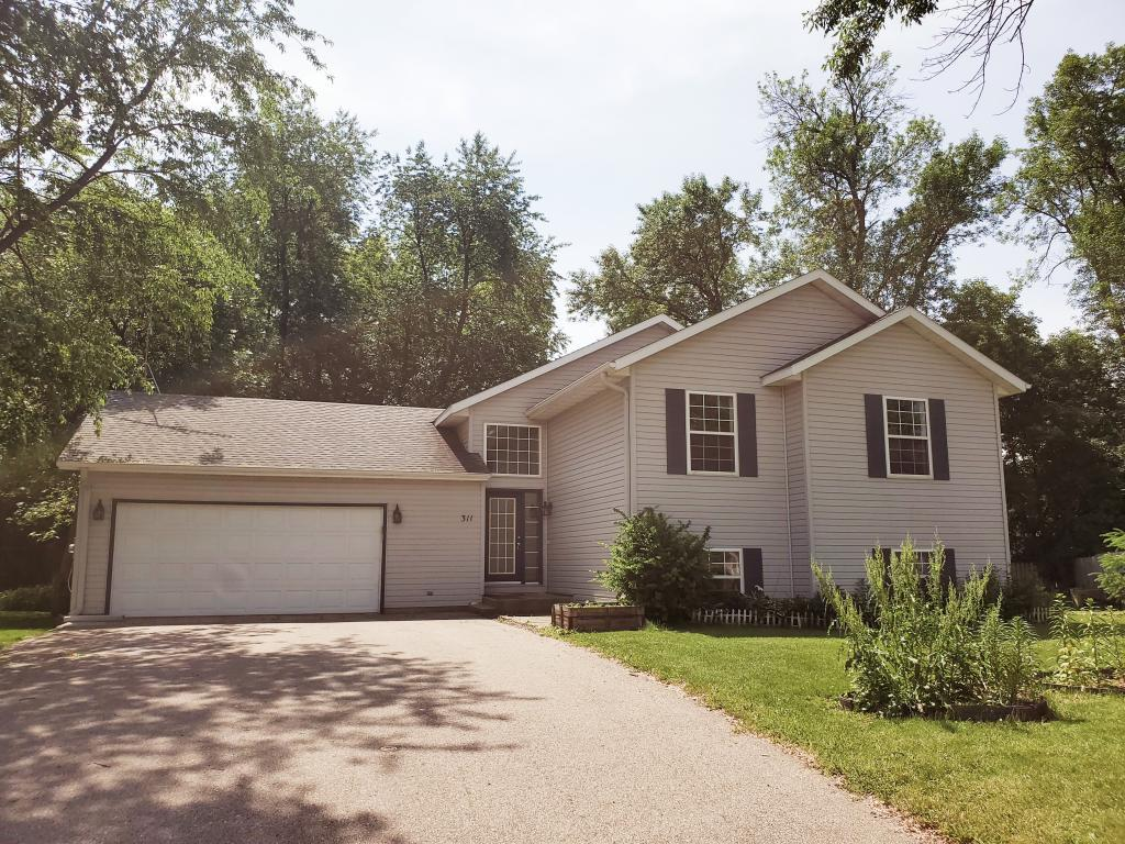 Cul de Sac property for sale at 311 Mower Place NW, Owatonna Minnesota 55060