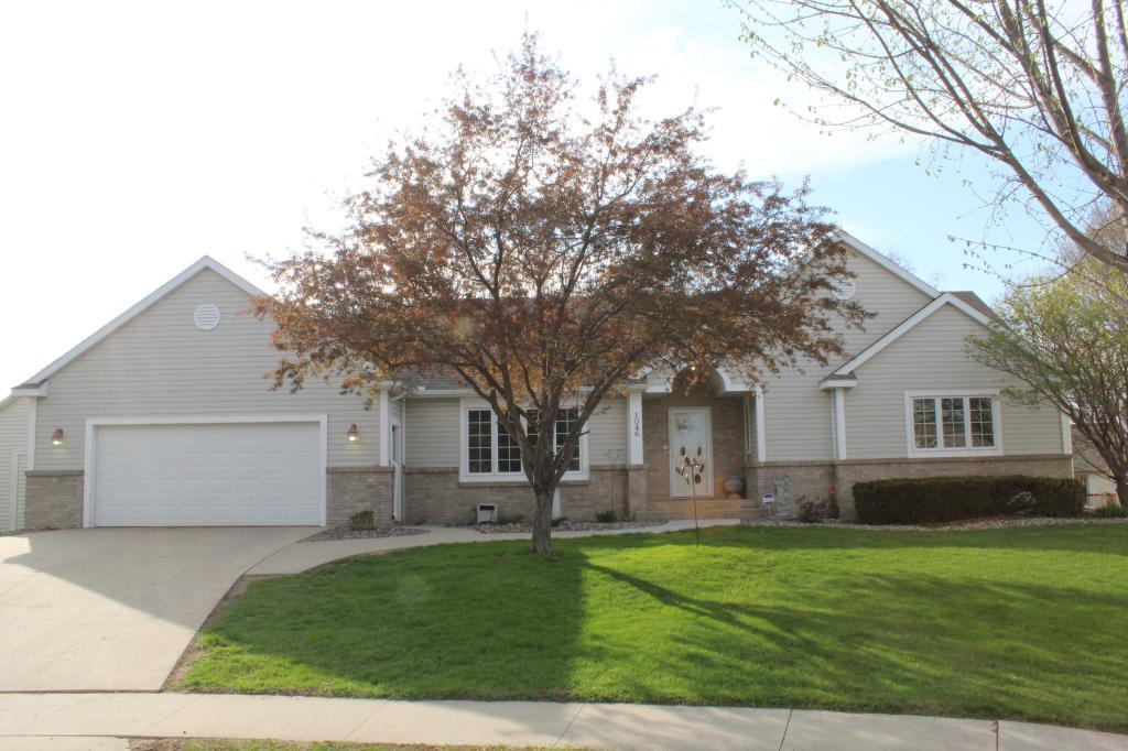 1046 Essex Parkway Nw Rochester, MN 55901