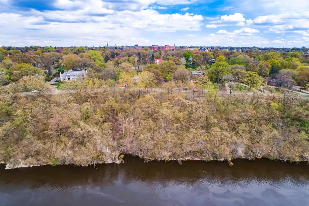 98 Mississippi River Boulevard N, one of homes for sale in St Paul - Town and Country