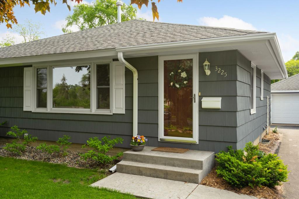 Cul de Sac property for sale at 3225 Blackstone Avenue, Linden Hills Minnesota 55416