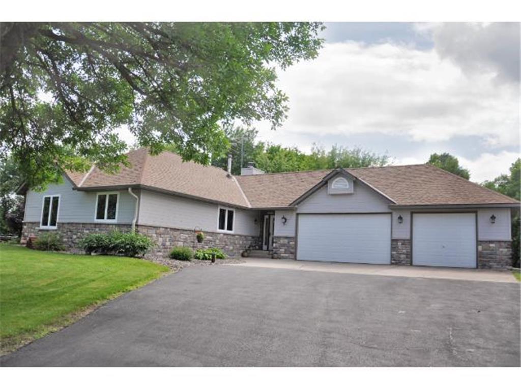 23144 Ottawa Avenue, Lakeville, Minnesota