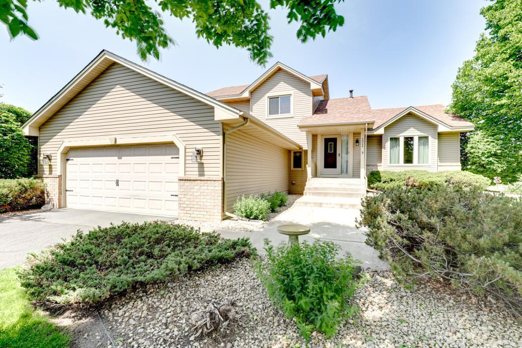 Cul de Sac property for sale at 4924 89th Crescent N, Brooklyn Park Minnesota 55443