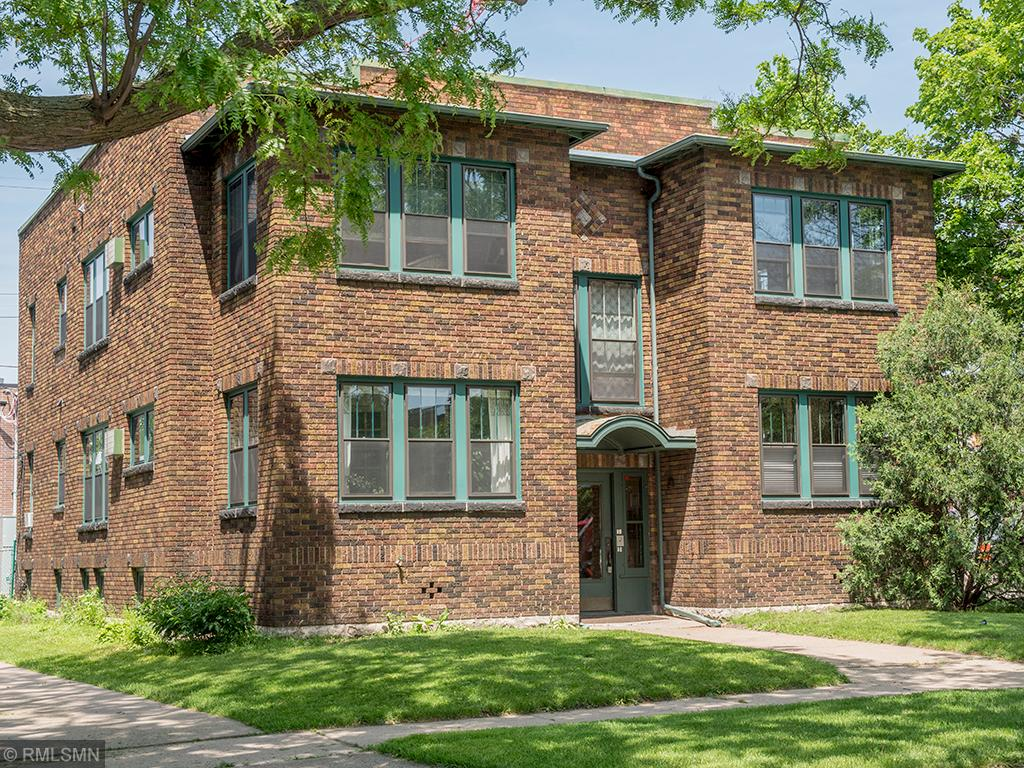 Townhome property for sale at 1583 Laurel Avenue, St Paul - Town and Country Minnesota 55104