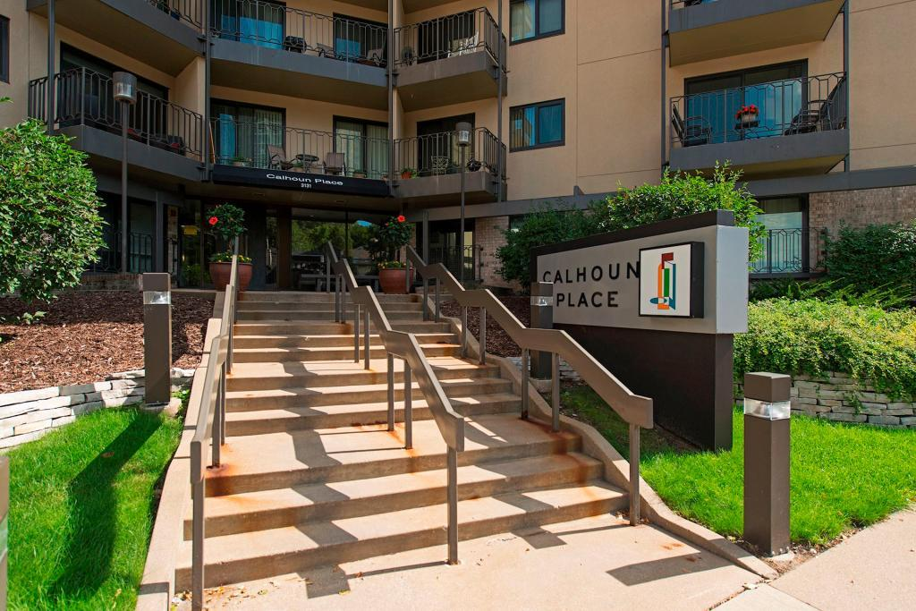 New Listings property for sale at 3131 Excelsior Boulevard, Linden Hills Minnesota 55416