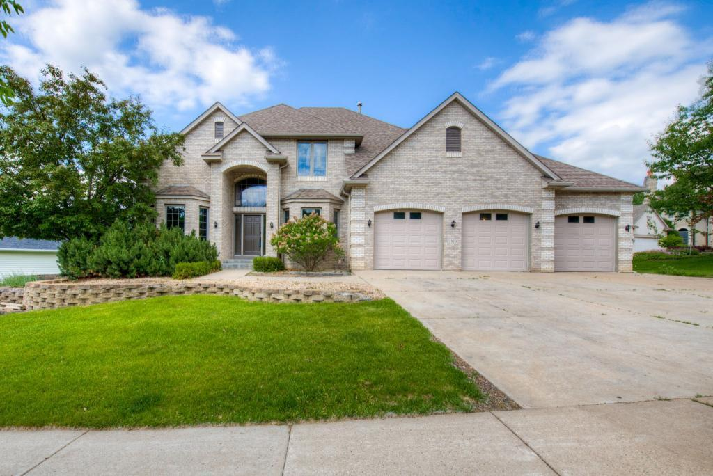 Cul de Sac property for sale at 2820 Hillscourte S, Roseville Minnesota 55113