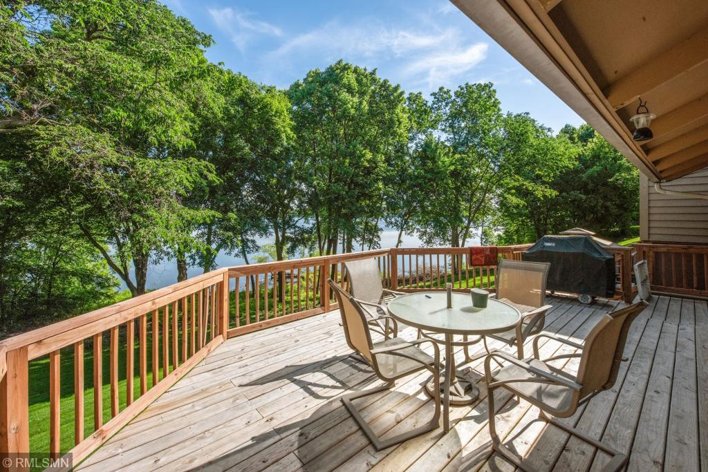 View property for sale at 23 Carvers Green, Chaska Minnesota 55318