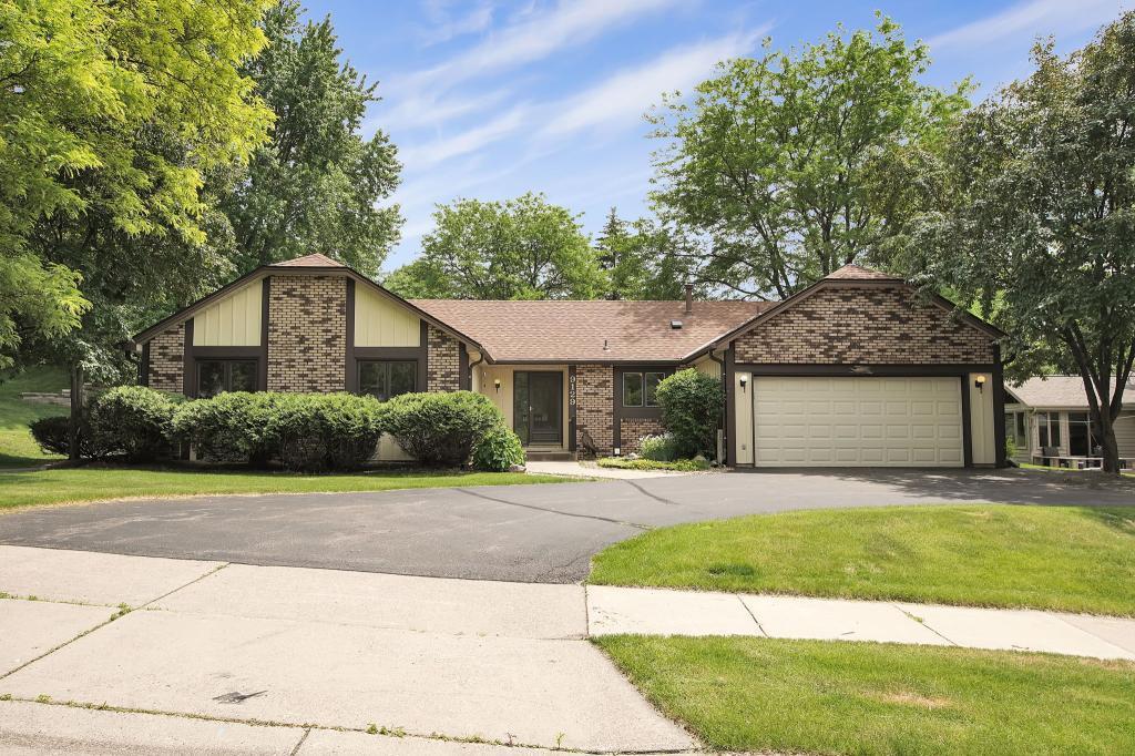 9129 Norman Ridge Circle, Bloomington, Minnesota