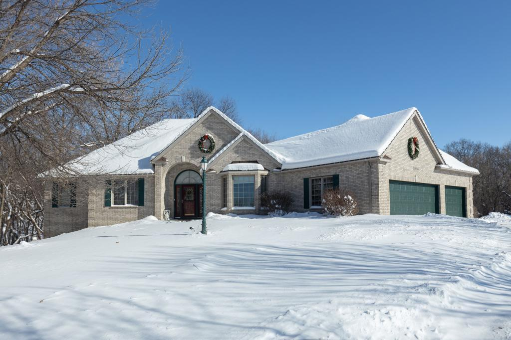 19185 Edgewood Lane, Lakeville in Scott County, MN 55372 Home for Sale