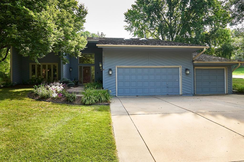 9581 Yukon Avenue S, Bloomington, Minnesota