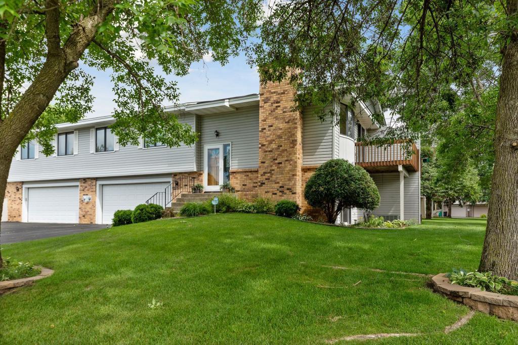 5662 Royal Oaks Drive Shoreview, MN 55126