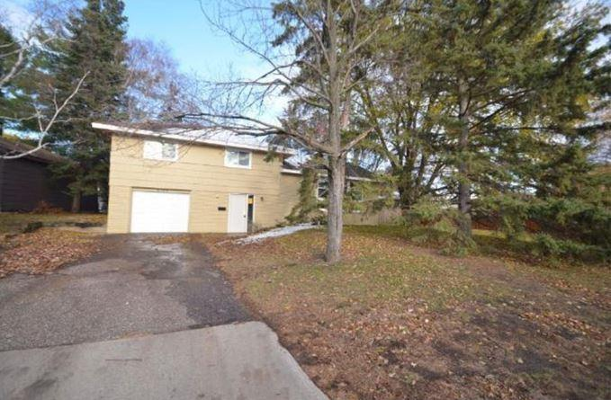 primary photo for 6124 Scott Avenue N, Brooklyn Center, MN 55429, US