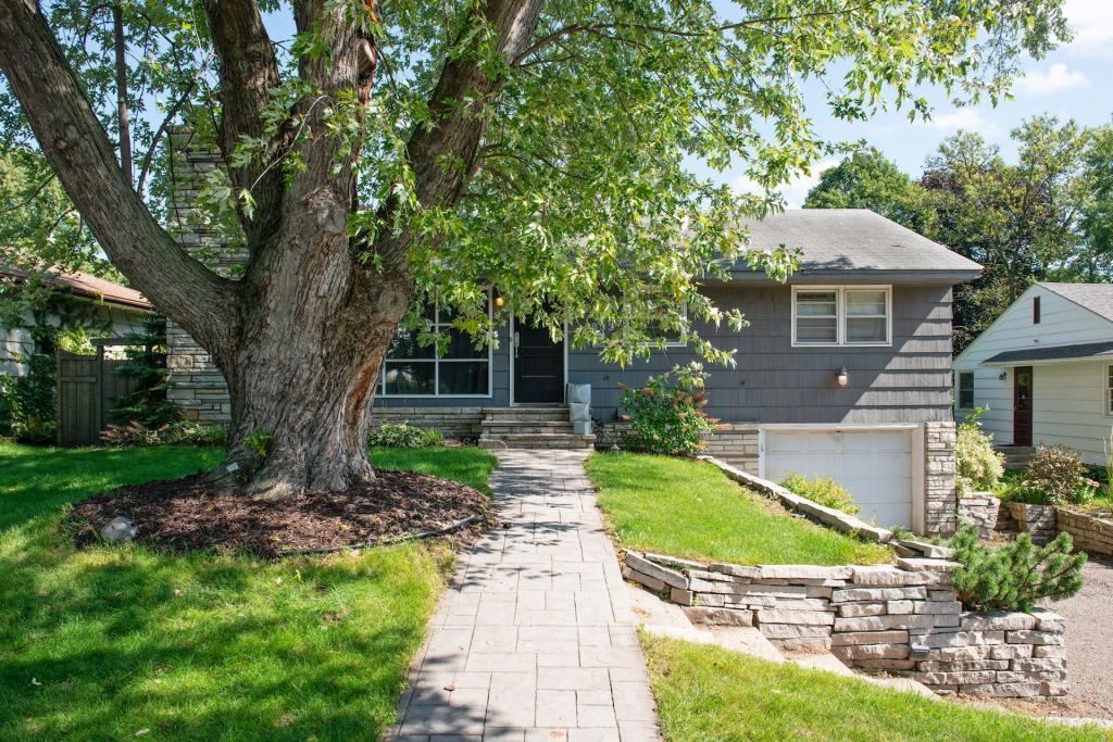 5833 Chowen Avenue S, Linden Hills, Minnesota