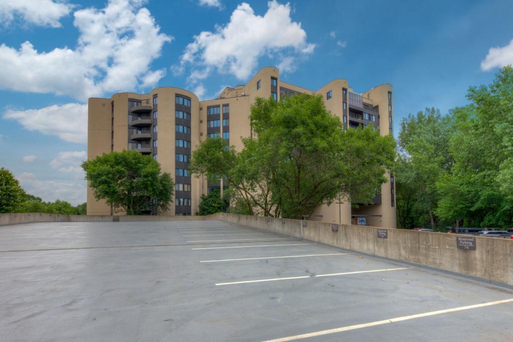 3141 Dean Court, Linden Hills, Minnesota