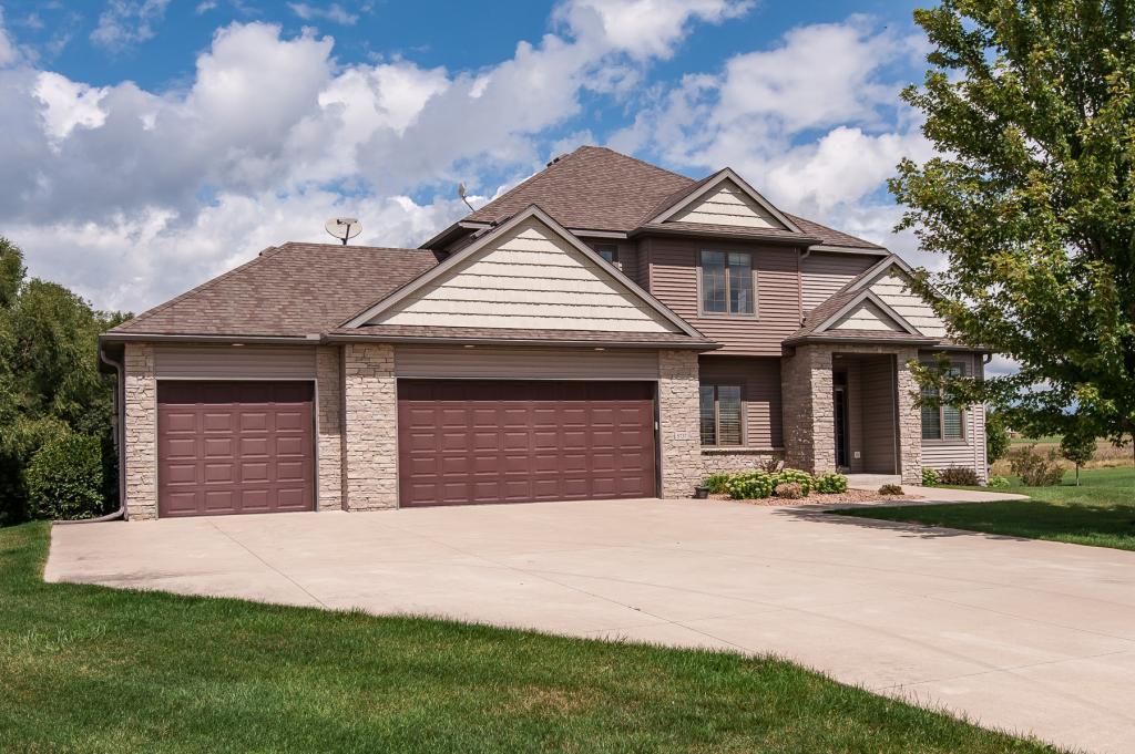 5737 Cambridge Hill Place SE, Rochester, Minnesota