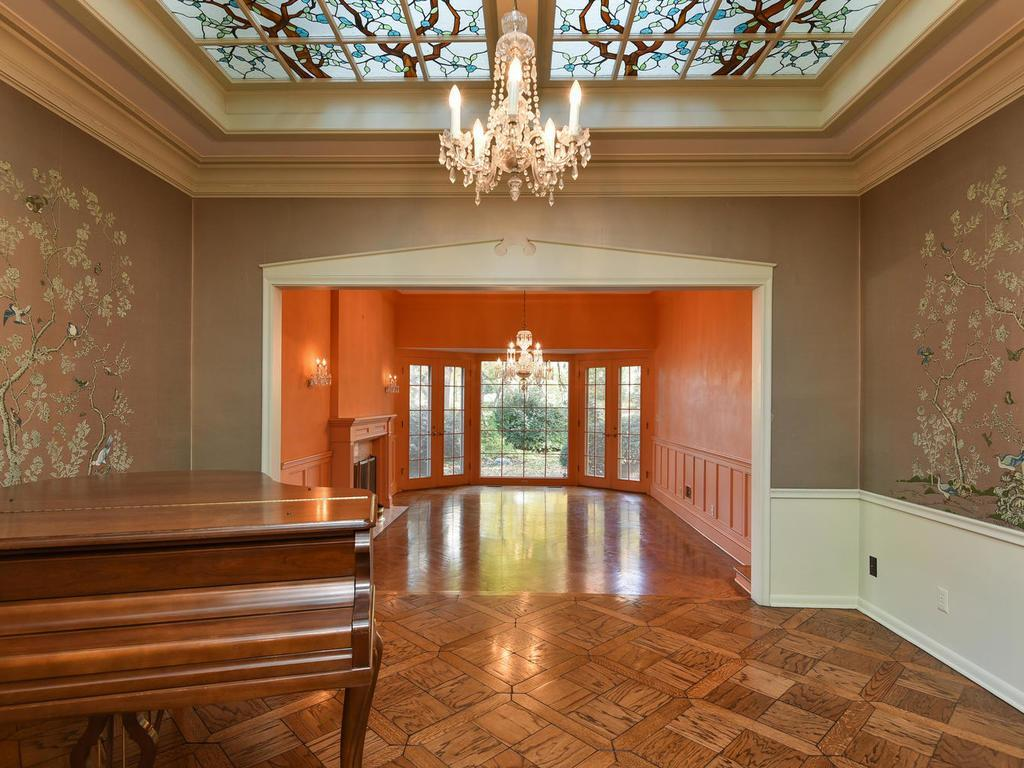80 Mississippi River Boulevard N, one of homes for sale in St Paul - Town and Country