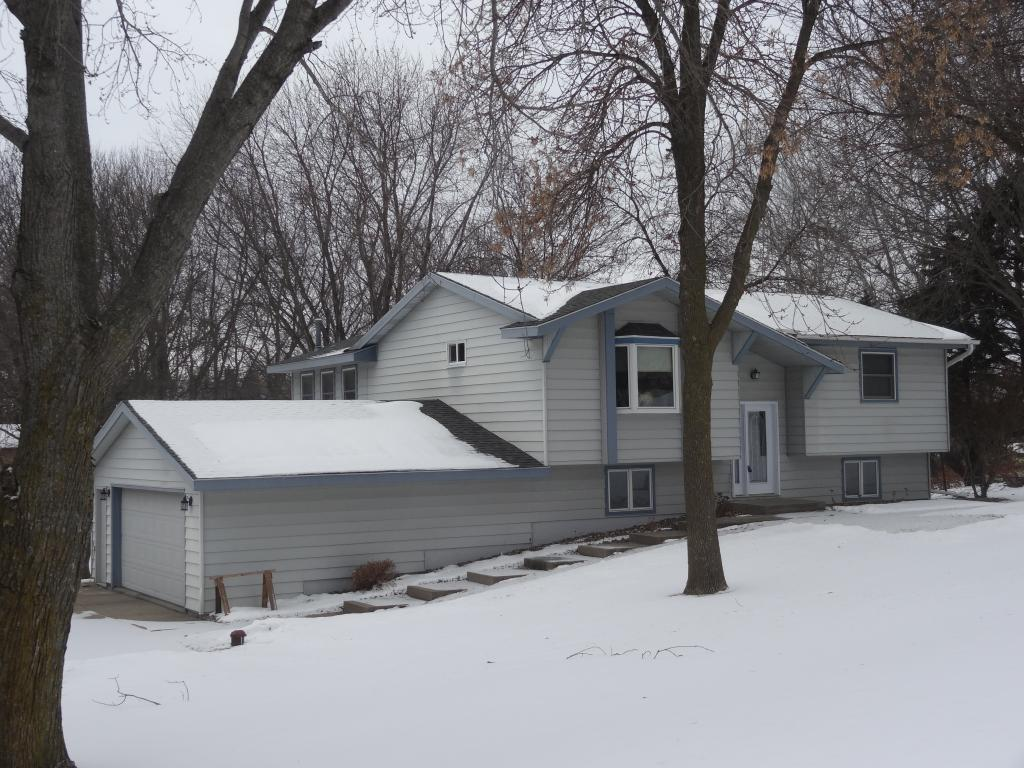 675 Rolling Meadows Lane SE, New Prague, Minnesota