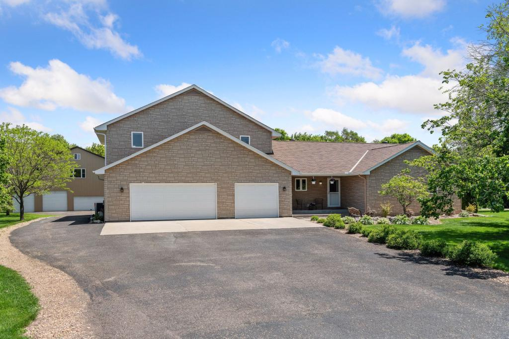 14240 Shadow Wood Drive, Rogers, Minnesota