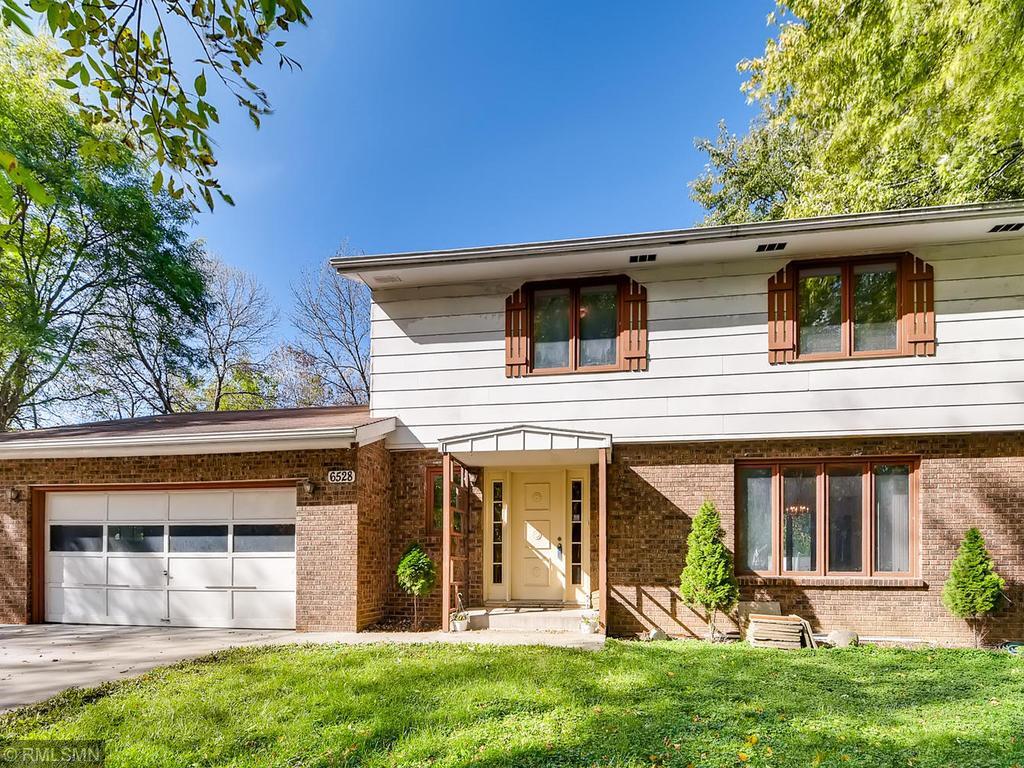 6528 Sherwood Avenue, Edina, Minnesota