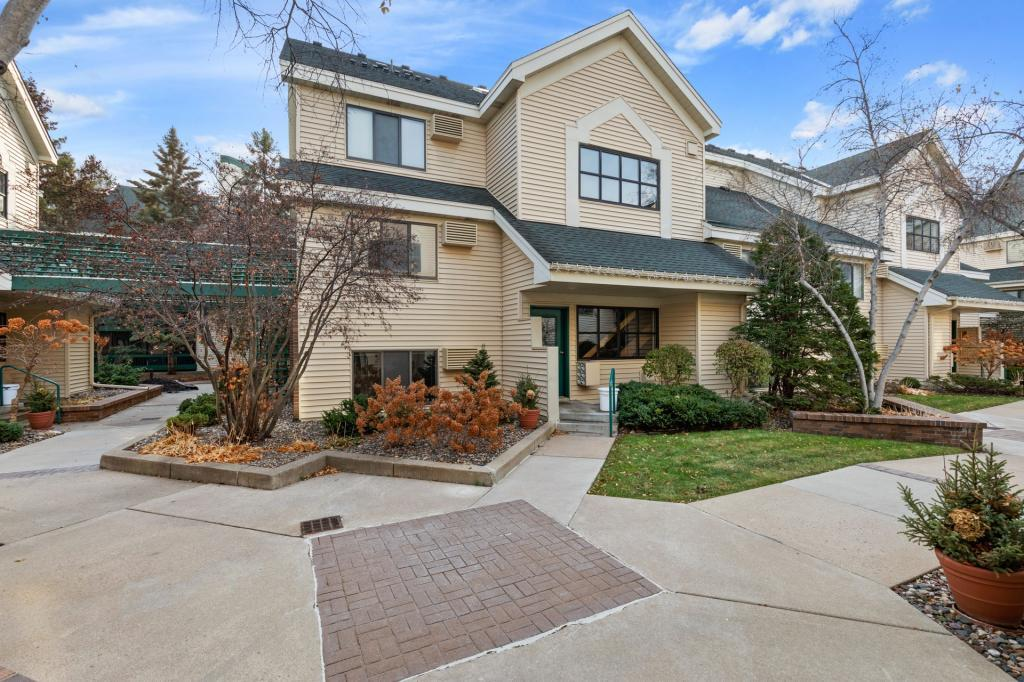 7615 Edinborough Way, Edina in Hennepin County, MN 55435 Home for Sale