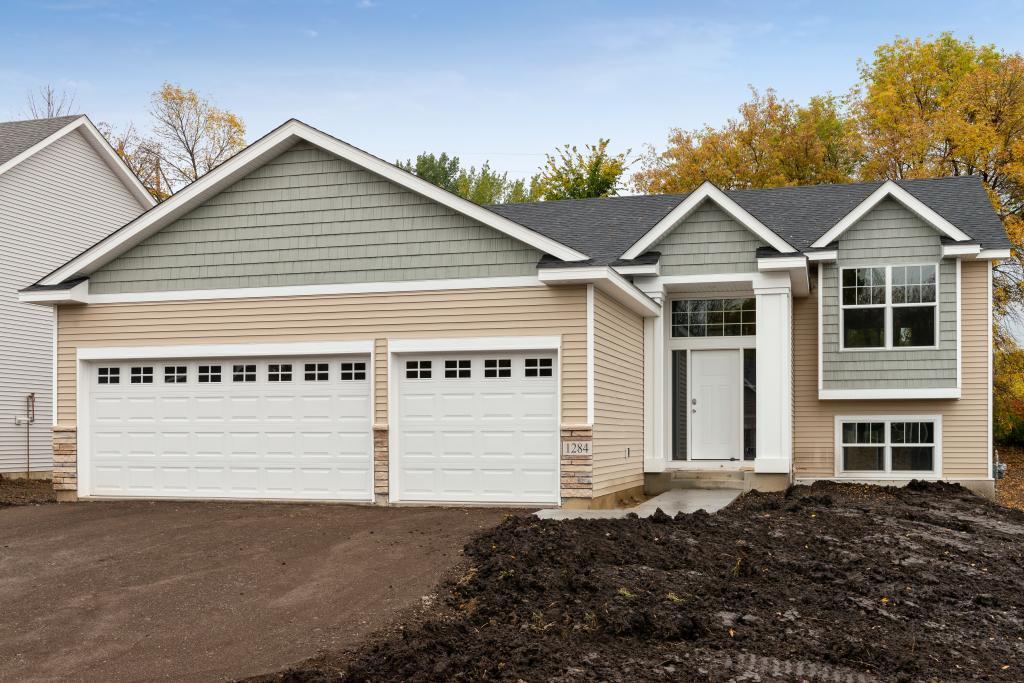 1284 Meadow Lane S, Shakopee, Minnesota