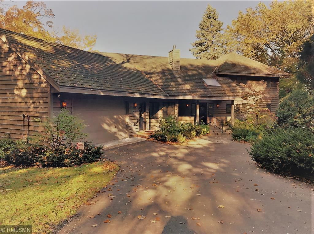 primary photo for 44 Peninsula Road, Dellwood, MN 55110, US