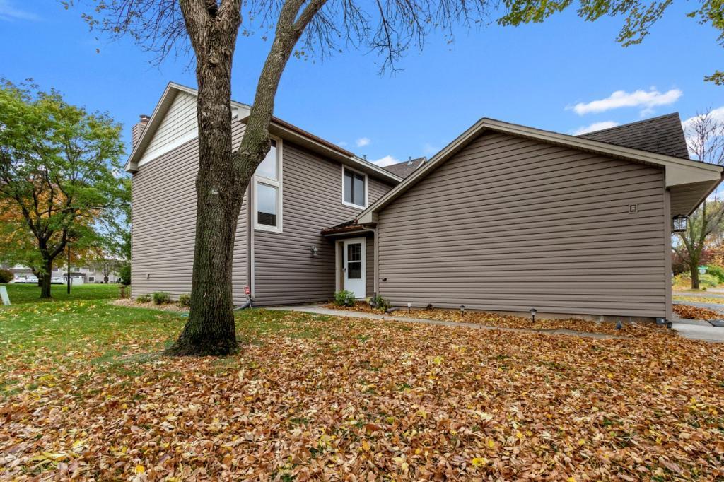 8870 Cottonwood Lane N, Maple Grove, Minnesota