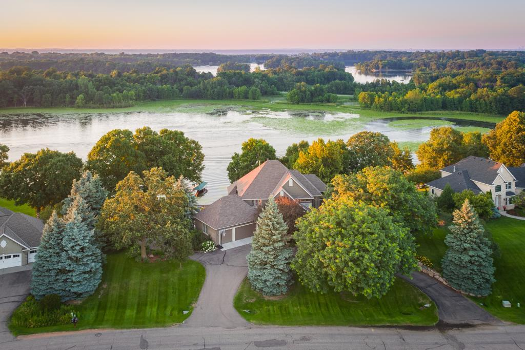 827 Vista Ridge Lane, one of homes for sale in Shakopee