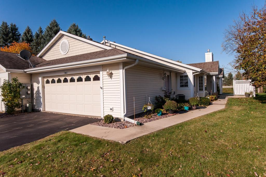 1885 Waterford Place SW, Rochester, Minnesota