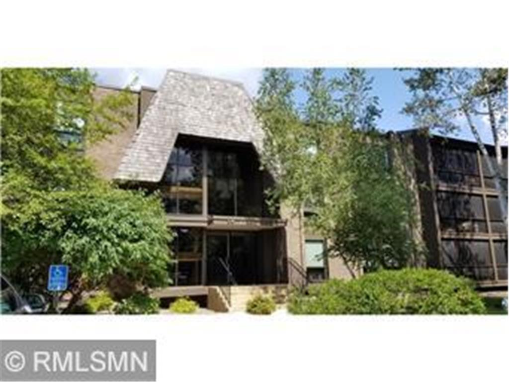 6085 Lincoln Drive, Edina in Hennepin County, MN 55436 Home for Sale