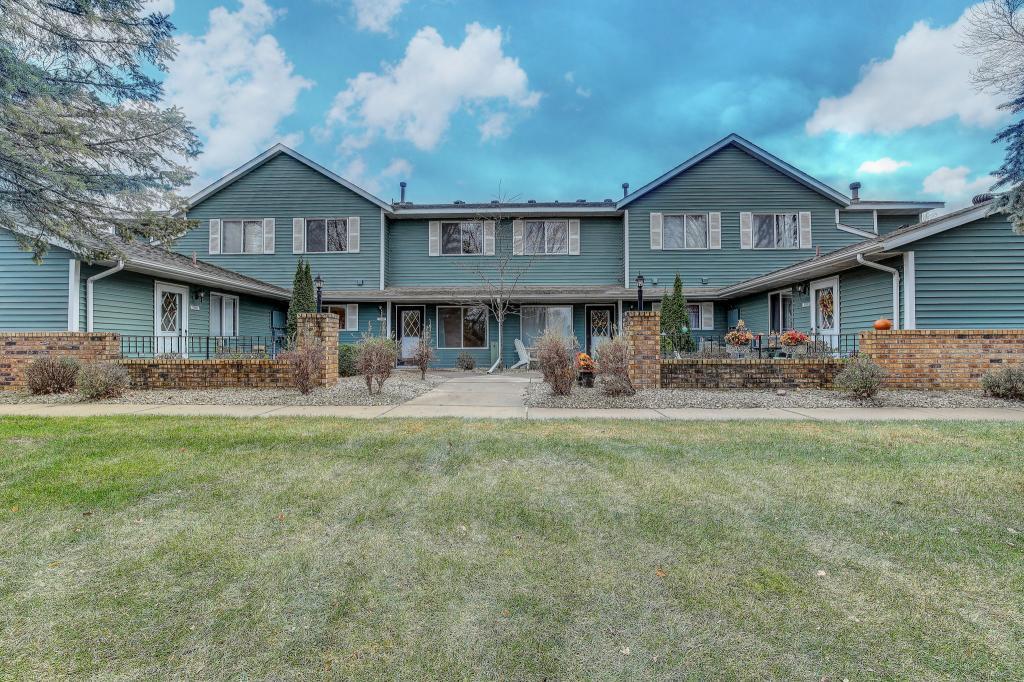 1190 W Royal Oaks Drive, Shoreview, Minnesota