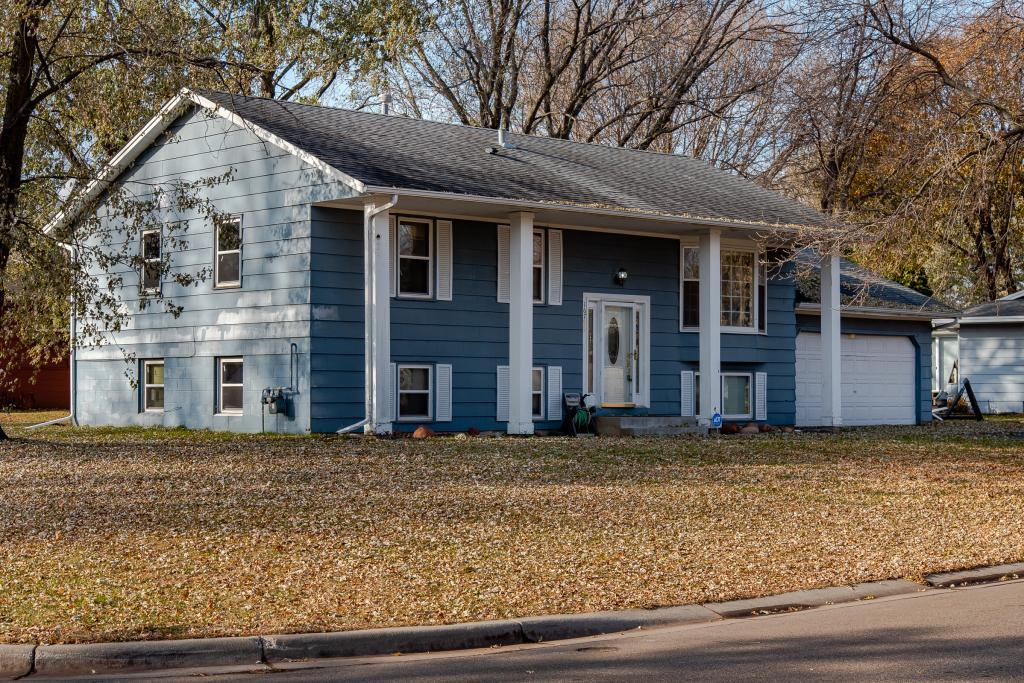 16755 Gannon Avenue W, Lakeville, Minnesota