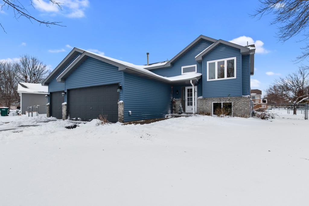 1140 124th Lane NE, Blaine in Anoka County, MN 55434 Home for Sale