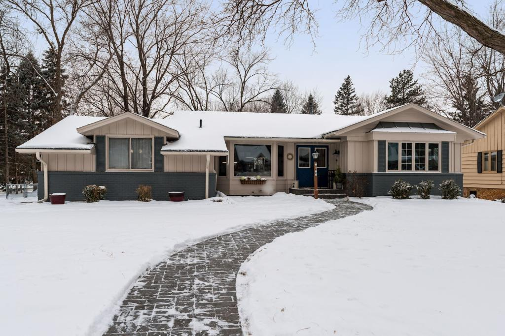 5316 Highwood Drive W, Edina in Hennepin County, MN 55436 Home for Sale
