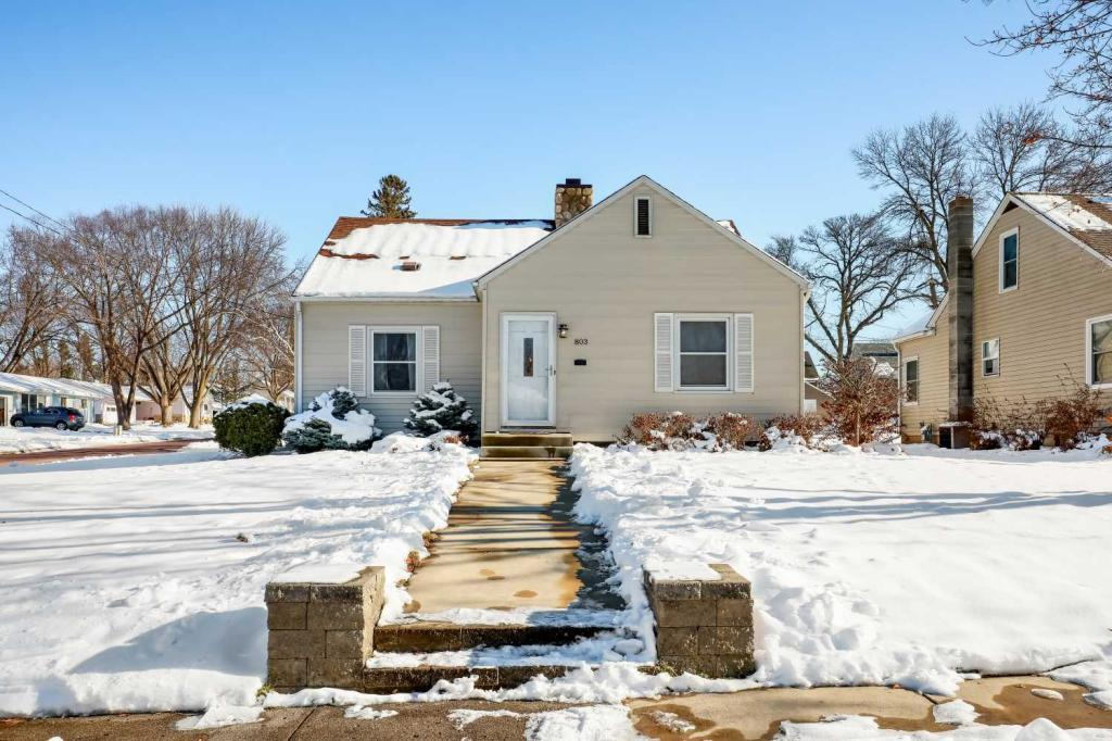 803 8th Avenue SW, Faribault, Minnesota