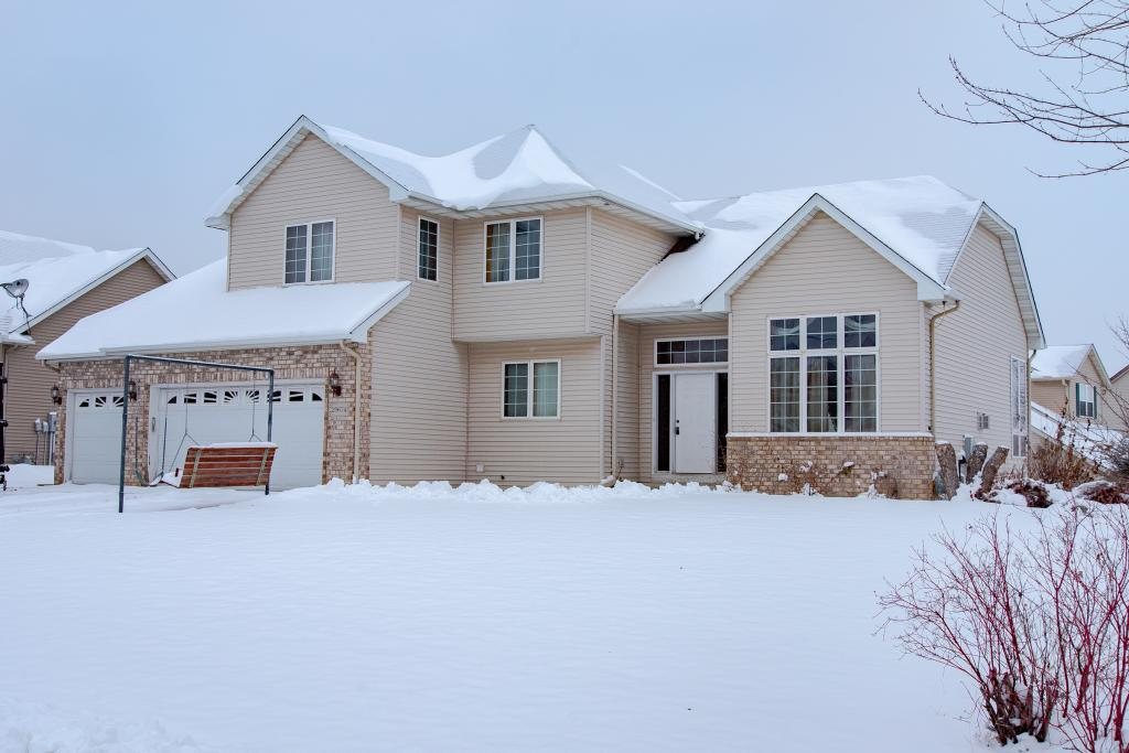 20674 Islandview Circle, Lakeville in Dakota County, MN 55044 Home for Sale