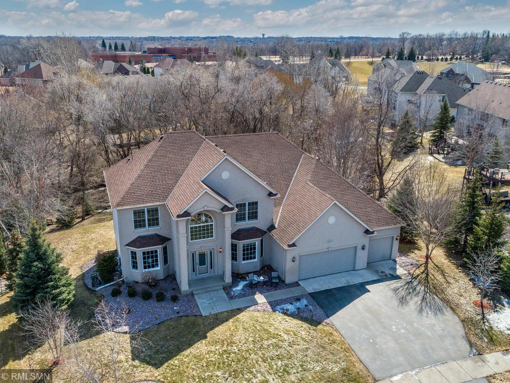 16290 Hominy Path, Lakeville, Minnesota