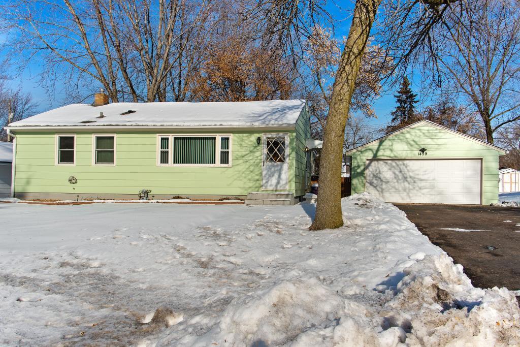 1459 Sandhurst Avenue E, Maplewood, Minnesota