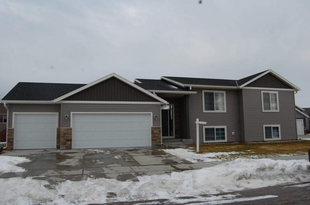 3088 Tamarack Lane SE, Rochester, Minnesota