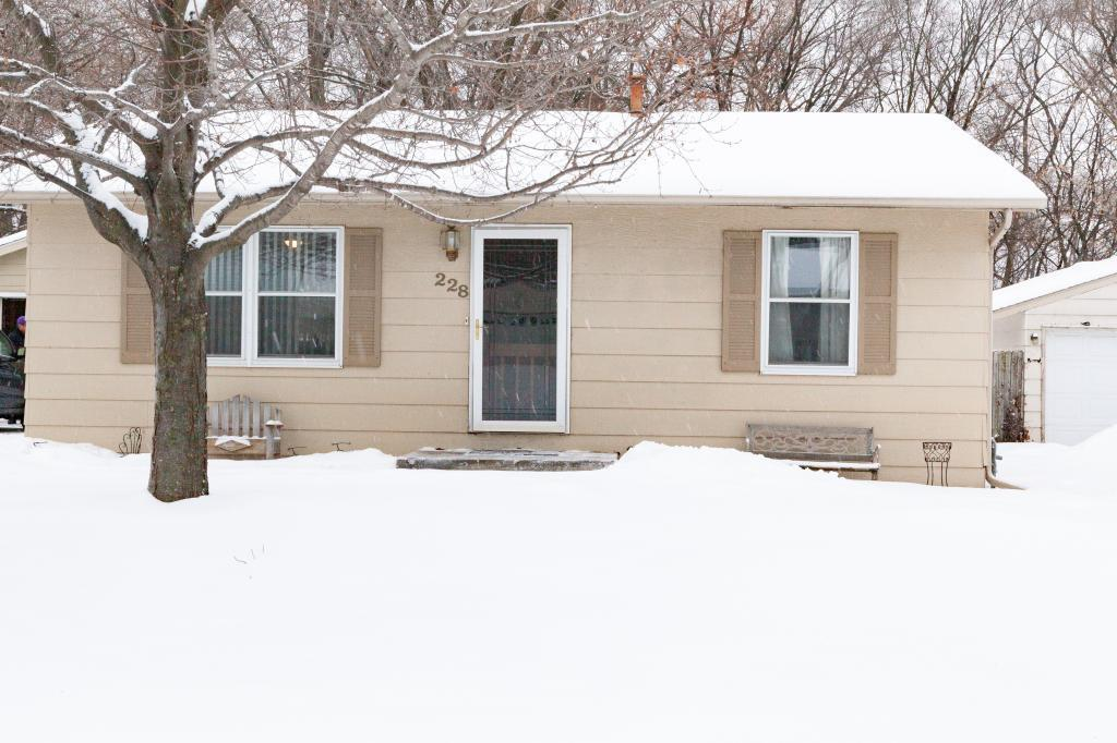 228 E River Lane NE, Rochester in Olmsted County, MN 55906 Home for Sale
