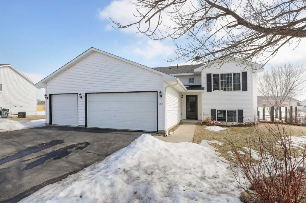 813 Orchard Circle, Belle Plaine in Scott County, MN 56011 Home for Sale