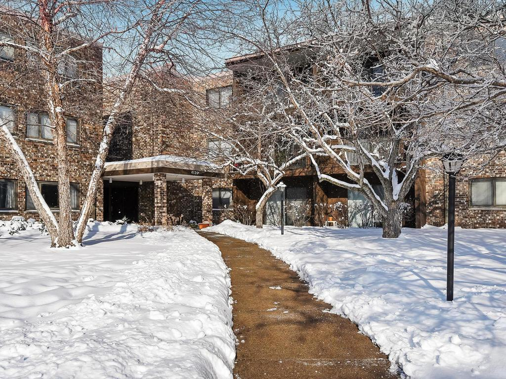 4120 S Parklawn Avenue, Edina in Hennepin County, MN 55435 Home for Sale