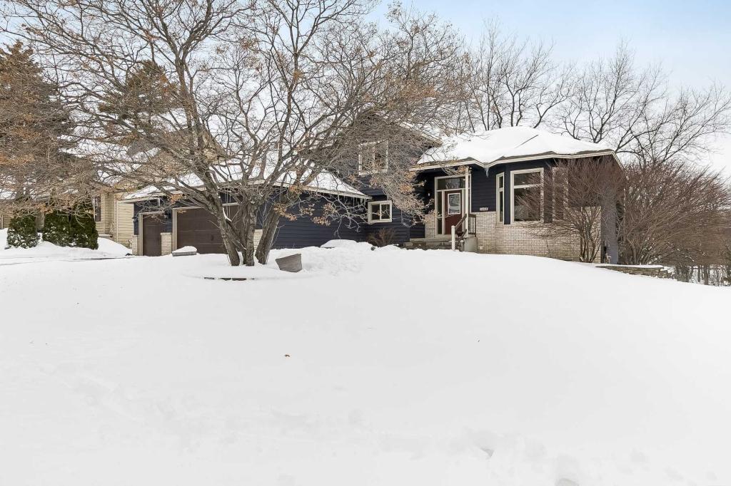 5420 Riverwood Lane, Savage, Minnesota