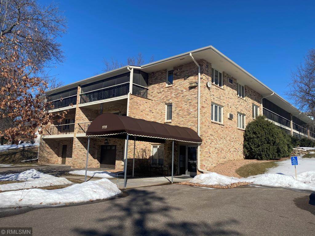 5725 Blake Road S, Edina in Hennepin County, MN 55436 Home for Sale