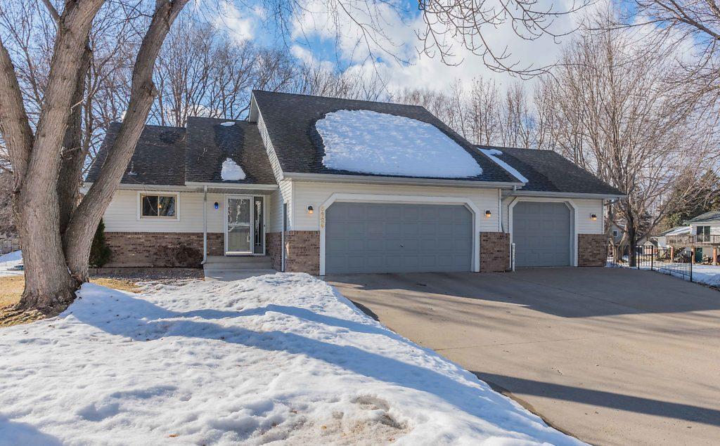 5629 Lake Avenue NE, Albertville, Minnesota
