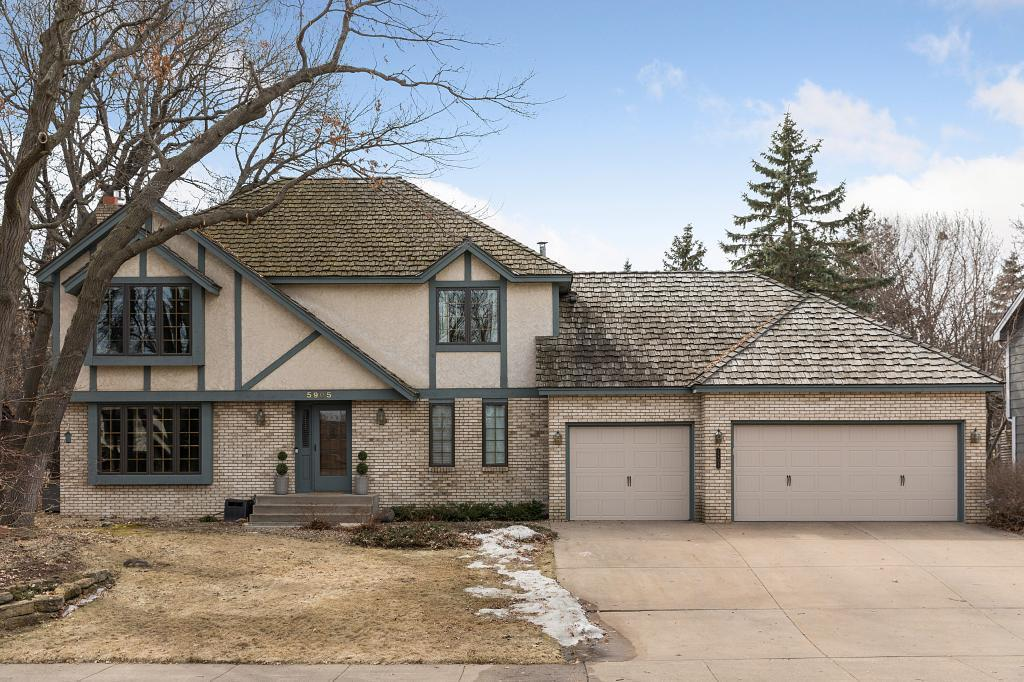 5905 Royal Oaks Drive, Shoreview in Ramsey County, MN 55126 Home for Sale