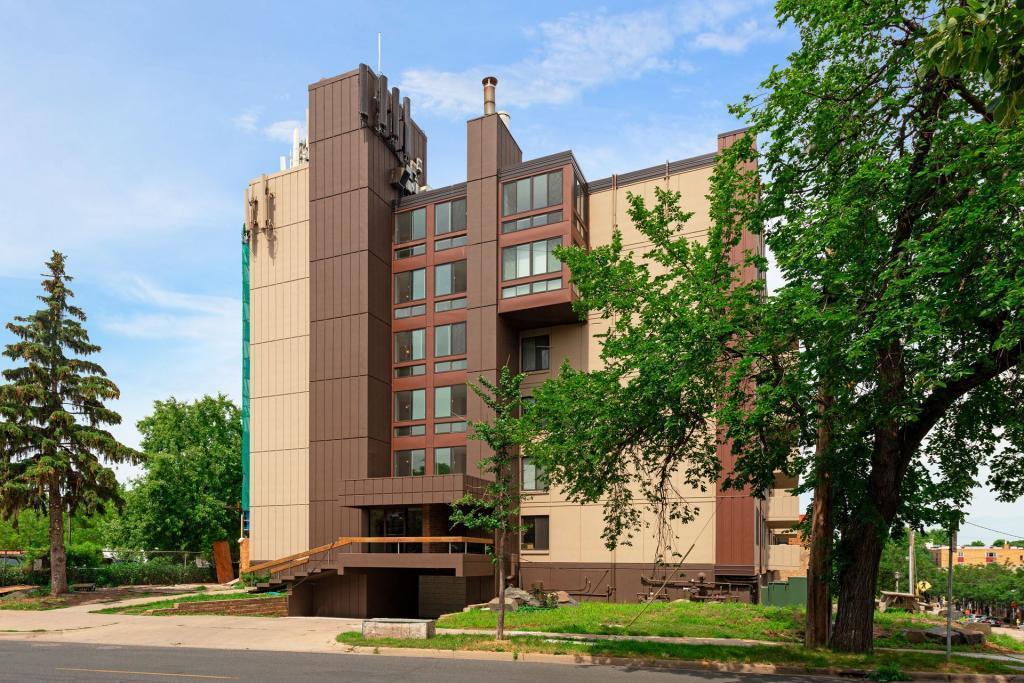 2800 W 44th Street, Linden Hills, Minnesota